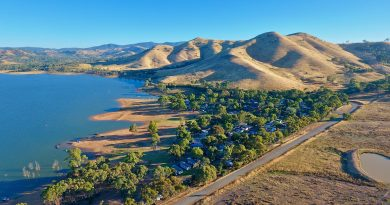 Lake Eildon for holidays are fishing enthusiasts